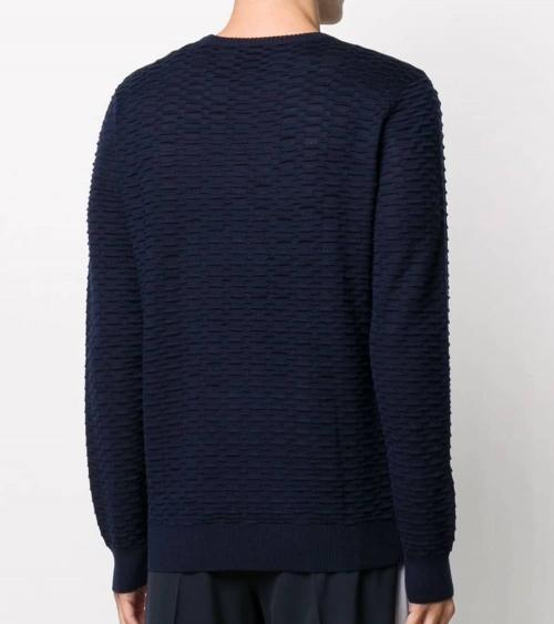Emporio Armani Jersey Texturizado Marino modelo espalda