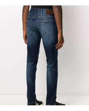 Emporio Armani Jeans J10 Denim Blue modelo detrás