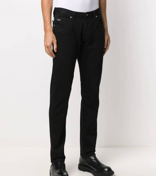 Emporio Armani Jeans J10 Negro modelo