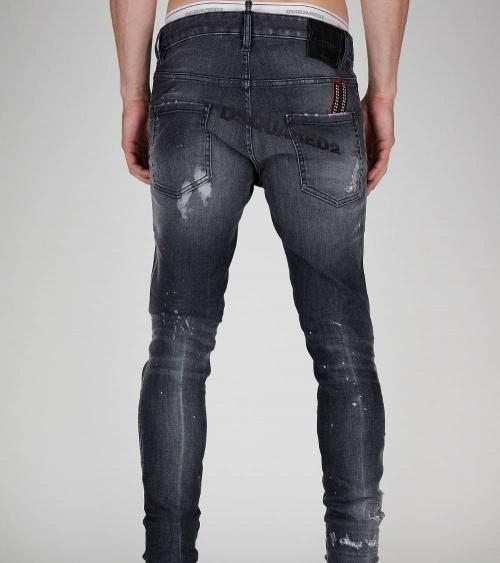Dsquared2 Jeans Rectos Negros modelo detrás