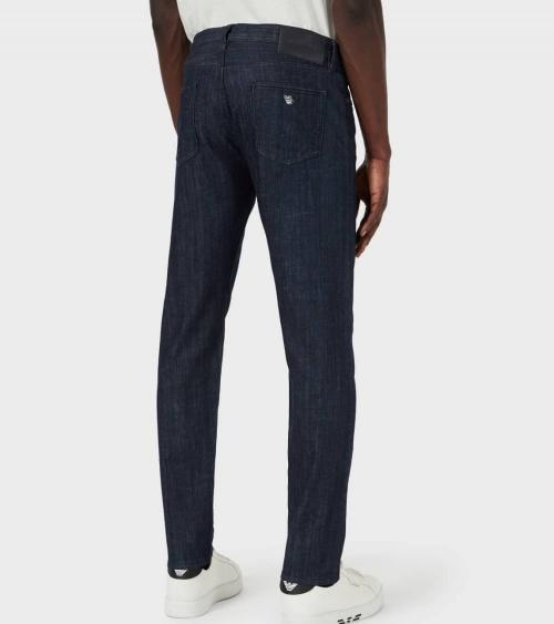 Emporio Armani Jeans J75 Liso Oscuro detrás