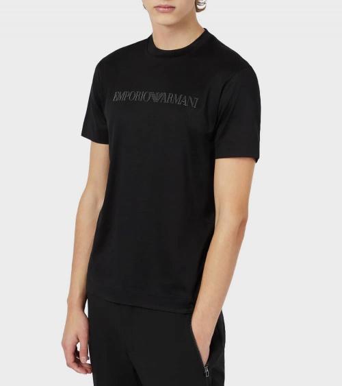 Emporio Armani Camiseta Negra Logo Tono modelo
