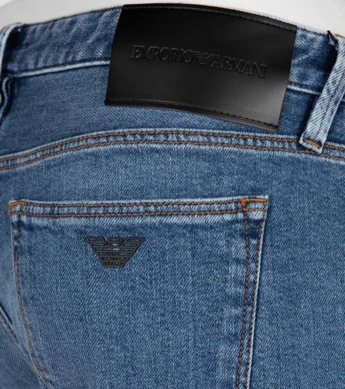 Emporio Armani Jeans J75 Claro detalle
