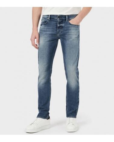 Emporio Armani Jeans J75 Claro modelo