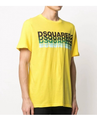Camiseta Amarilla Logo Degradé modelo