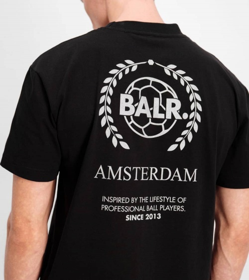 BALR Camiseta Amsterdam Negra modelo espalda