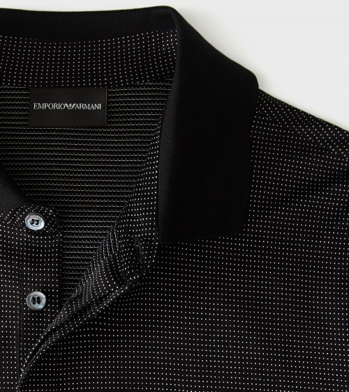 Emporio Armani Polo Negro Fantasía detalle